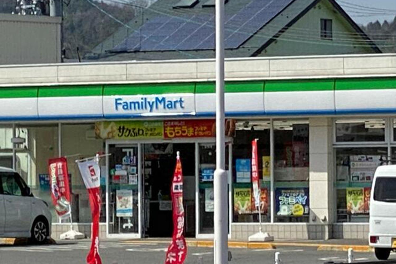 ファミリーマート亀岡千代川店